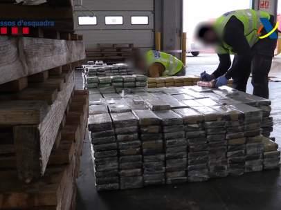 Hallan una tonelada de cocaína en el Puerto de Barcelona