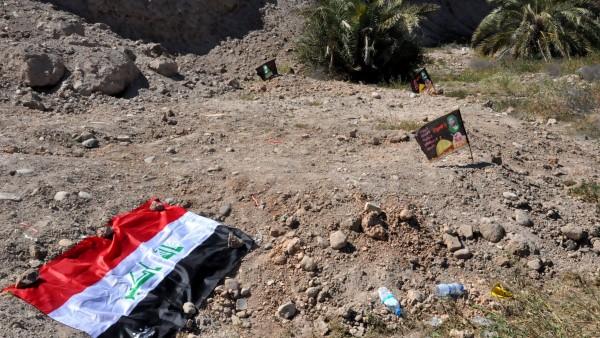 Halladas más de doscientas fosas con restos de miles de víctimas del Estado Islámico