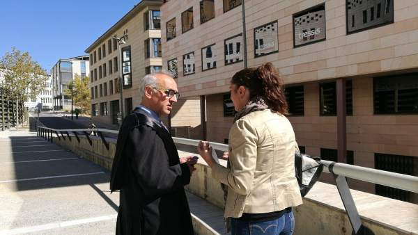El abogado Alberto Martín y la madre de Nadia, Marga Garau