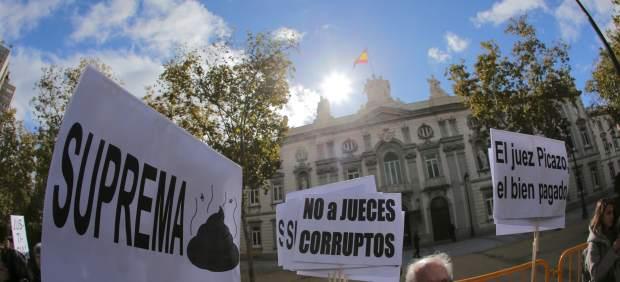 Concentración protesta hipotecas en el Tribunal Supremo