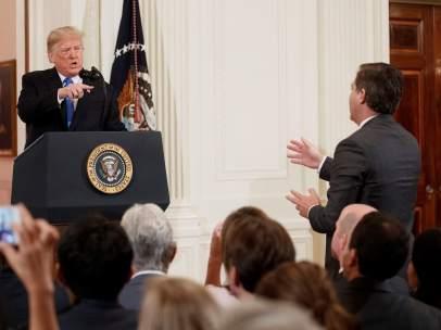 Donald Trump, ante la prensa