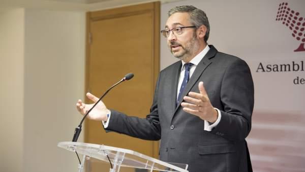 El portavoz del Grupo Parlamentario Popular en la Asamblea Regional