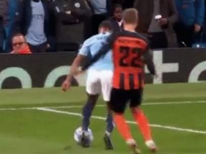 Penalti a Sterling