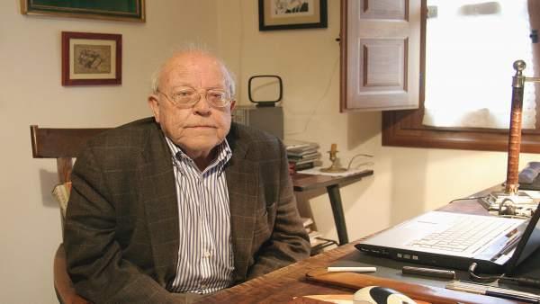 El escritor y periodista José Jiménez Lozano