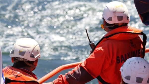 Rescatades almenys 22 persones a bord de dos pasteres en Torrevieja