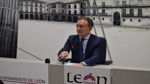 Fernando Salguero durante la rueda de prensa.