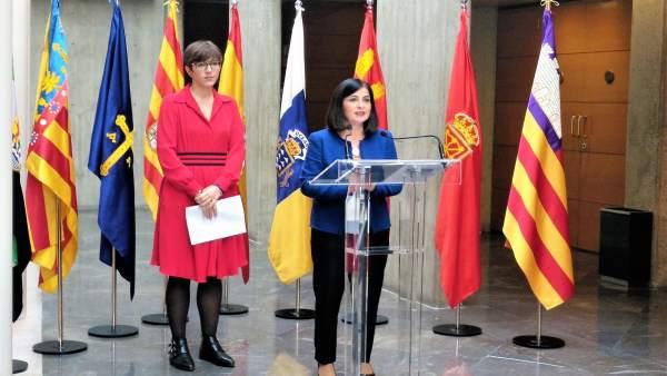 Violeta Barba y Carolina Darias este sábado en La Aljafería.
