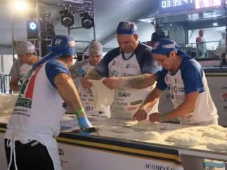 Récord Guinnes de elaboración de pizzas