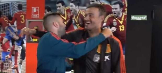 Luis Enrique y Jordi Alba se reencuentran... ¡con un abrazo!