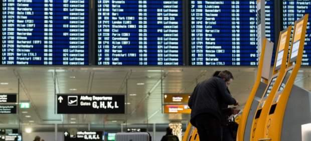 El Supremo considera abusivo que una aerolínea obligue a usar los dos trayectos en un billete de ...