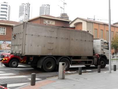 Ciclista herida de gravedad tras ser arrollada por un camión en Bilbao