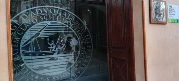 Los abogados del turno de oficio de Baleares exigen al Ministerio el pago