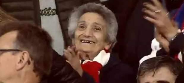 La abuela Lucía cumple a los 93 años el sueño de su vida: ver el Wanda Metropolitano