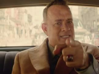 Tom Hanks en 'I Really Like You' (2015)