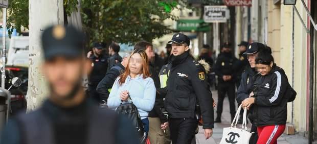Golpe a la explotación sexual en Madrid: 14 detenidos y una treintena de mujeres liberadas