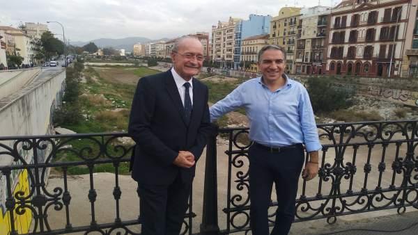 El alcalde de Málaga, Francisco de la Torre y el presidente del PP, Elías Bendod