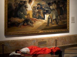 Galería de fotos | El artista que duerme en los museos