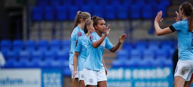 Suspenden en Inglaterra a un árbitro por sortear los campos con 'piedra, papel o tijera'