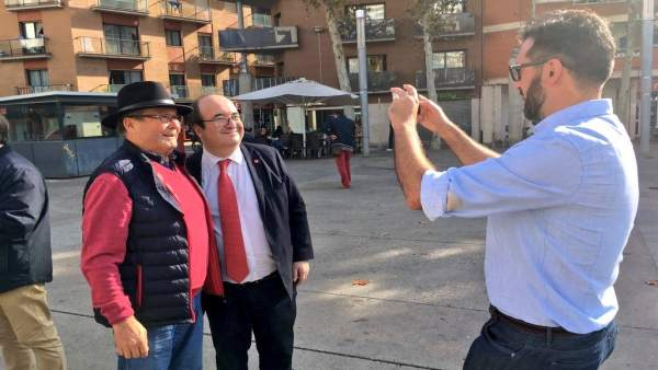 El líder del PSC, Miquel Iceta, ha visitado las comarcas de Girona
