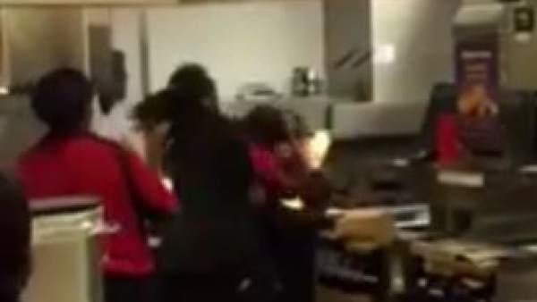 Un empleado ataca a un gerente de un McDonad's