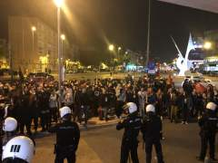 Manifestantes contra un acto de Vox en Murcia