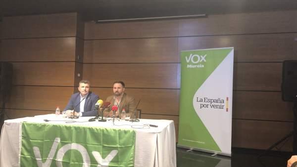 Santiago Abascal (VOX) rueda de prensa Murcia