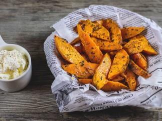Sweet potatoes fries (boniato) con crema agria