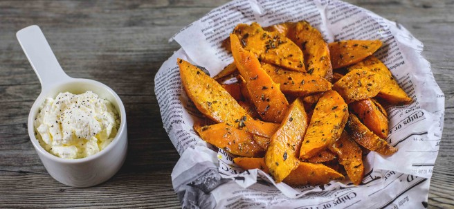 Sweet potatoes fries (boniato) con crema agria