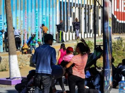 Migrantes en la frontera con EE UU