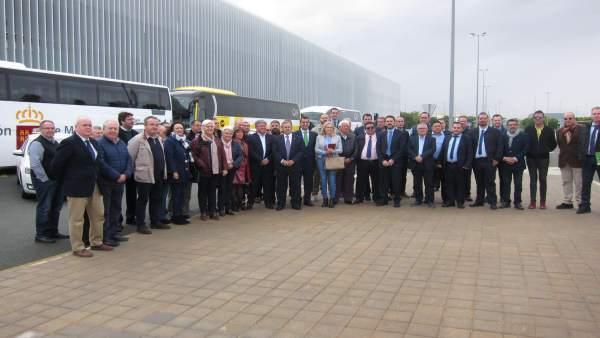 Presentación movilidad aeropuerto con Valverde a la cabeza