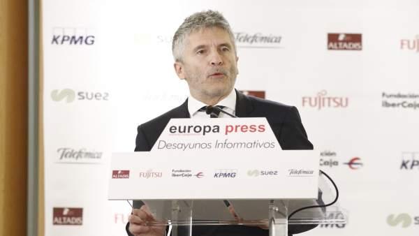 Fernando Grande-Marlaska participa en un Desayuno Informativo de Europa Press