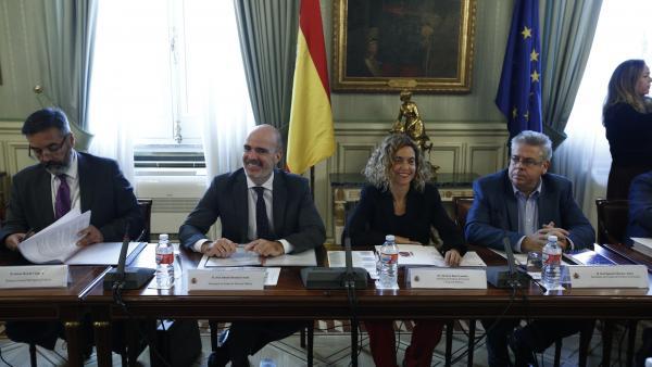 Meritxell Batet, cuando era ministra de Política Territorial, junto al exsecretario de Estado, Ignacio Sánchez Amor.