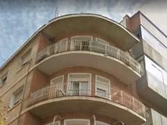 Pollos en un balcón de Albacete