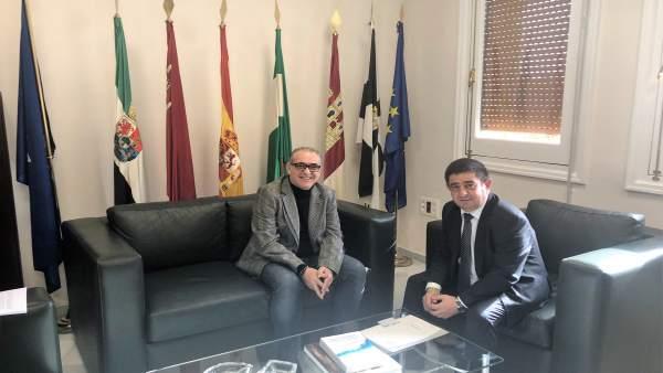 Joaquín Páez y Francisco Reyes analizan actuaciones en la provincia de Jaén.