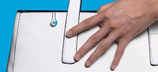 Diseñan un 'wearable' que rastrea la exposición a los rayos UV y notifica el riesgo de sufrir ...