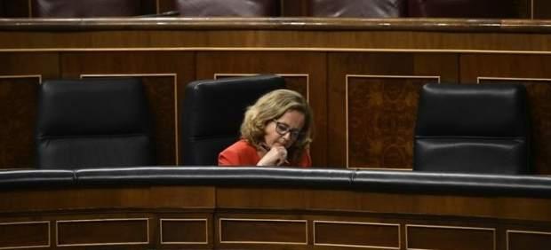 El Gobierno respalda a Calviño y asegura que su imagen está