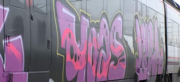 25 millones de euros, las consecuencias en los trenes de los grafitis