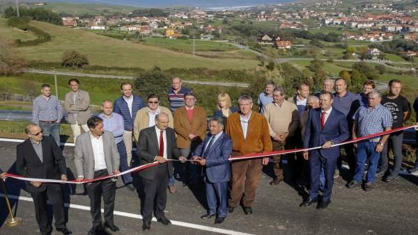 Inauguración de la ampliación y mejora de la carretera Ajo-Güemes
