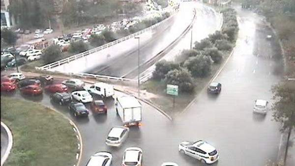 Un aiguat deixa més de 100 litres en tres hores en la ciutat de València i obliga a tancar diversos túnels