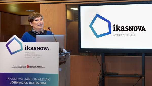 Uxue Barkos inaugura las jornadas Ikasnova
