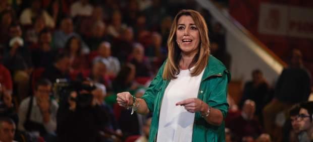 El PSOE cae en escaños y votos, pero gana con holgura