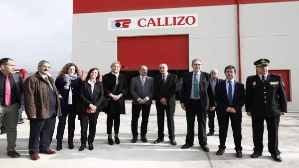Lambán asiste a la inauguración de las nstalaciones de Transportes Callizo.