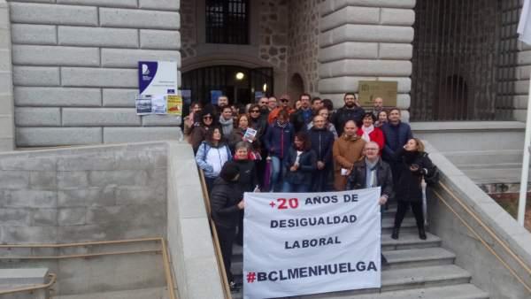 Segunda jornada de huelga en la biblioteca de C-LM