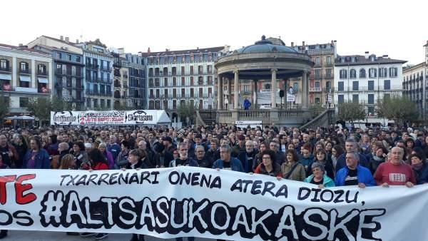 Concentración para pedir la libertad de los condenados del 'caso Alsasua'