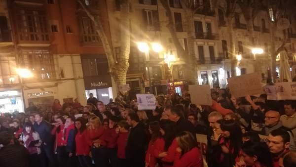 Concentración por la mujer asesinada en Palma