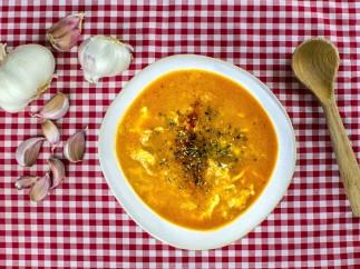 Receta de sopa castellana con huevo escalfado en Thermomix