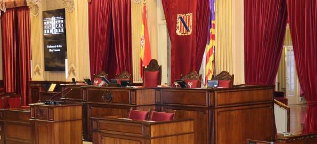 El pleno del Parlament debate este martes las enmiendas a la totalidad a los Presupuestos Generales ...
