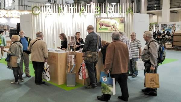 El stand de Cantabria en INTUR
