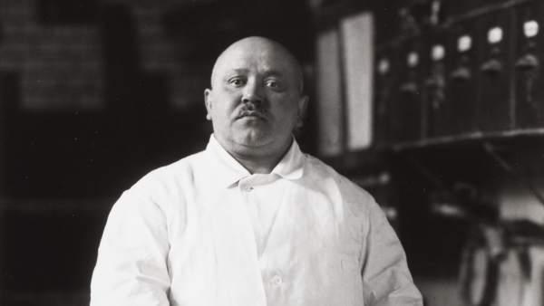 """August Sander, Pastelero, de la serie """"El rostro de nuestro tiempo"""", 1928"""