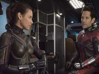 Los problemas de reducirse de tamaño: Ant-Man y Avispa tendrían problemas para respirar